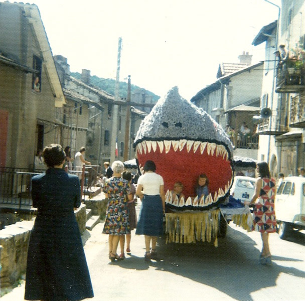 http://www.laroquebrou.com/photos/wp-content/gallery/1960-2000/1962-le-requin.jpg